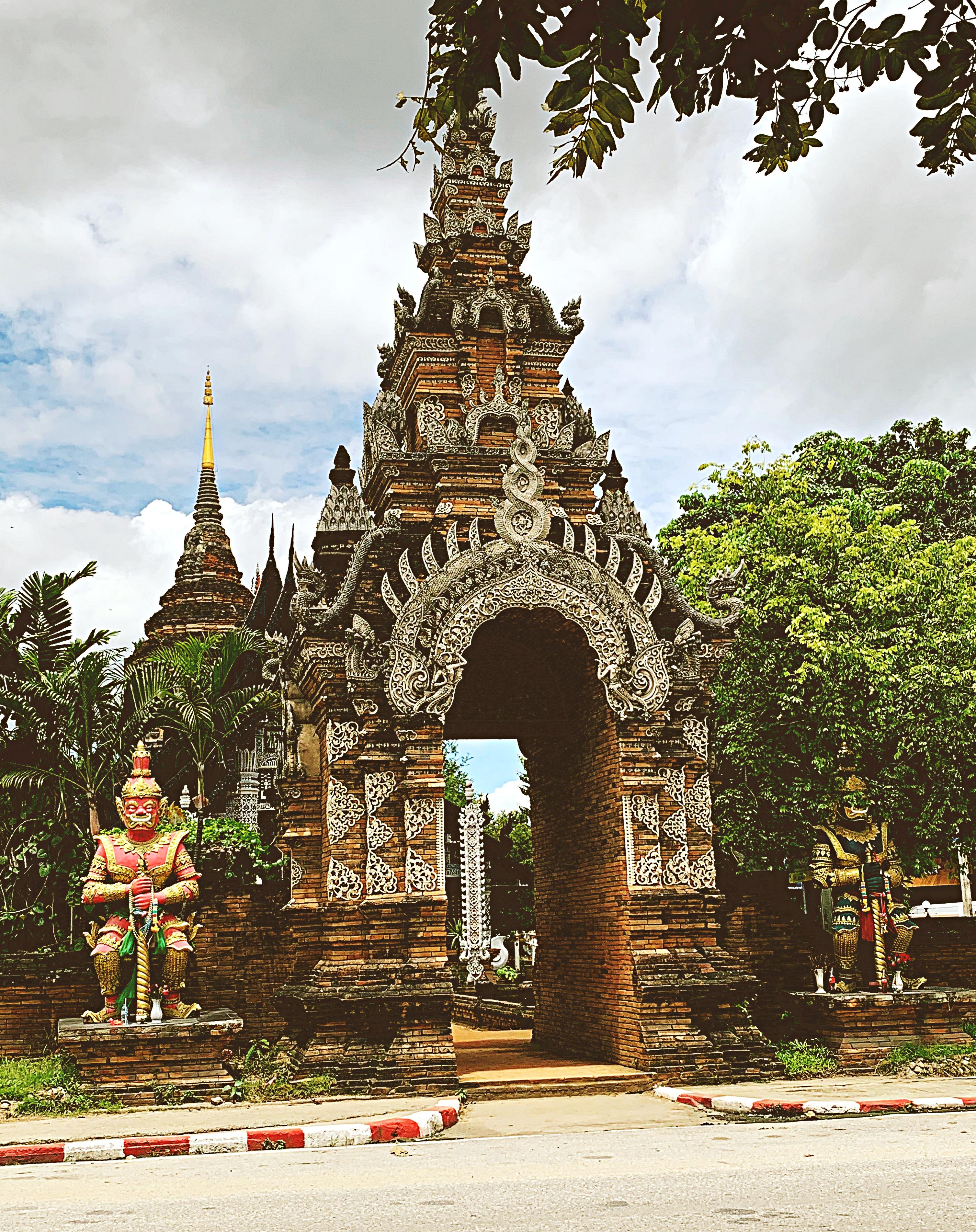 ChiangMaiWatLokMoliEntrance19
